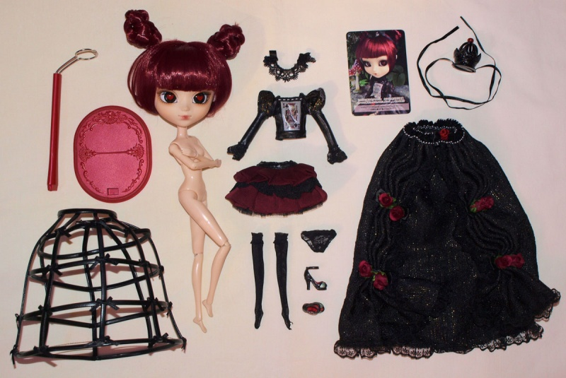 Файл:Pullip Lunatic Queen outfit.jpg