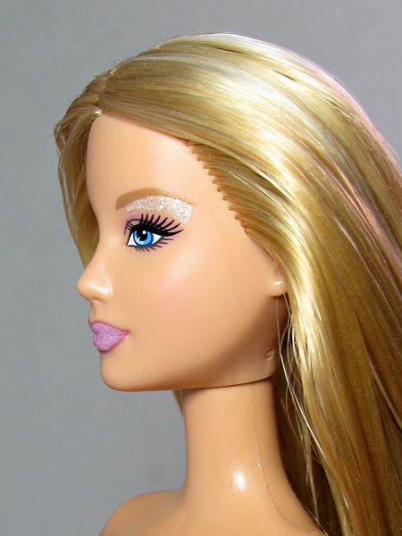 Файл:Barbie 2005 Mold 3.jpg