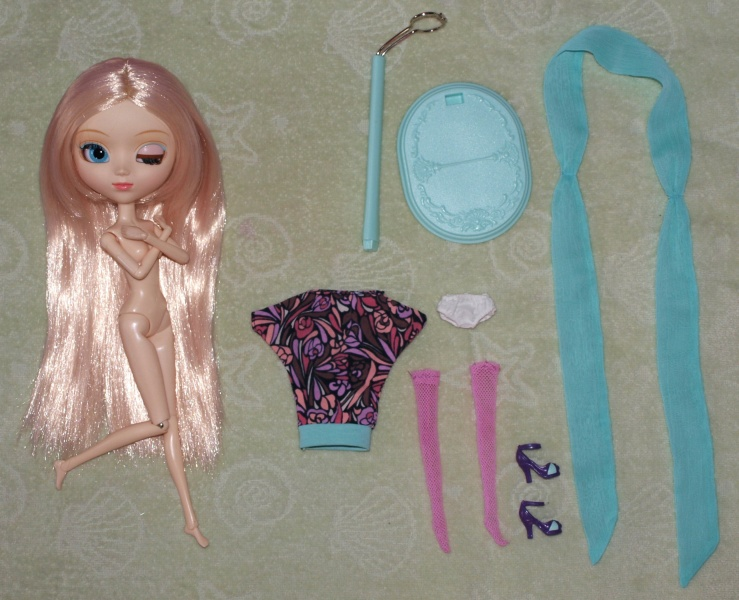 Файл:Pullip Lala outfit.jpg