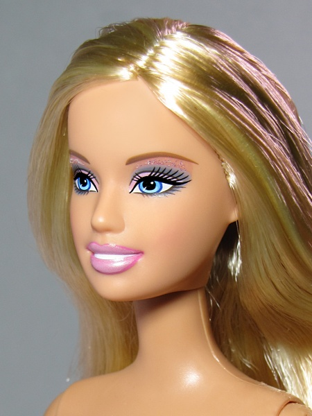 Файл:Barbie 2005 Open Mouth Mold 2.jpg