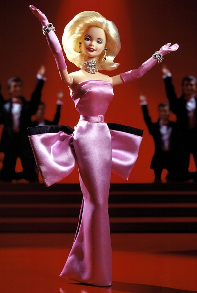 Файл:1997 Barbie Doll as Marilyn in the Pink Dress from Gentlemen Prefer Blondes.jpg